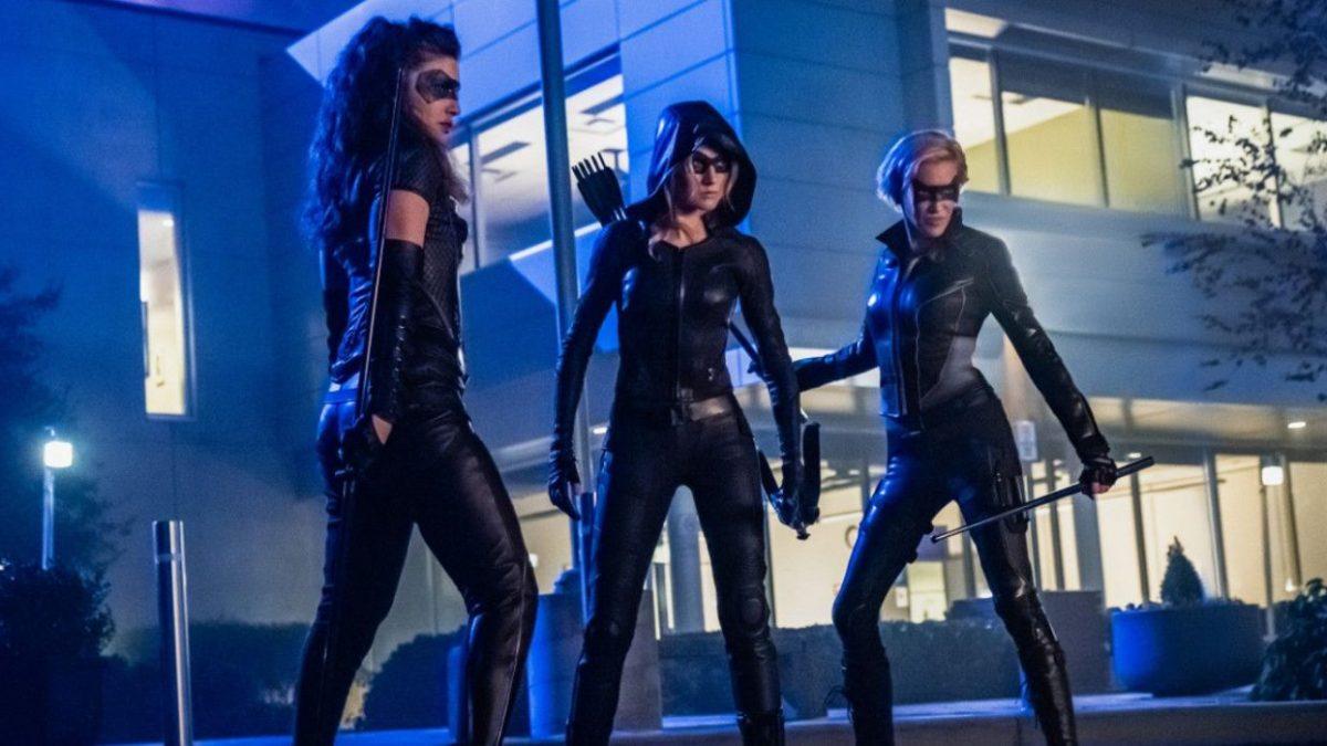 Green Arrow and The Canaries: Série derivada de Arrow, é cancelada pela CW. 17