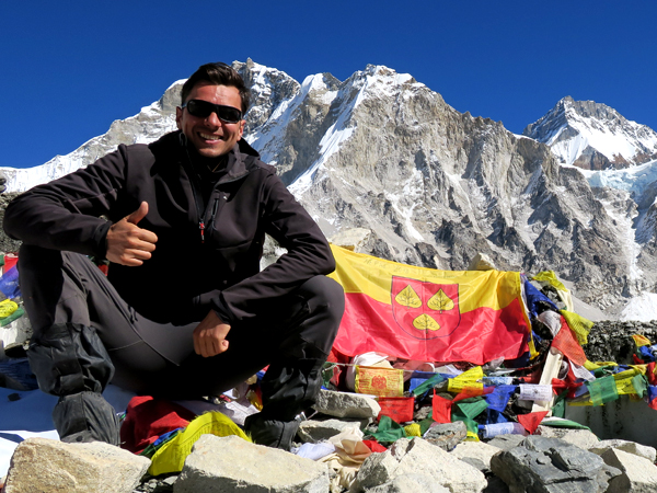 Stefan Schüler Autor Blogger www.burning-feet.com Mount Everest Base Camp
