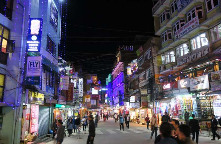 Thamel Trekking Ausrüstung in Nepal kaufen