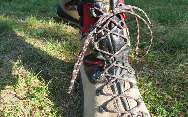 Bergstiefel La Sportiva Karakorum HC GTX Bergschuhe richtig schnüren