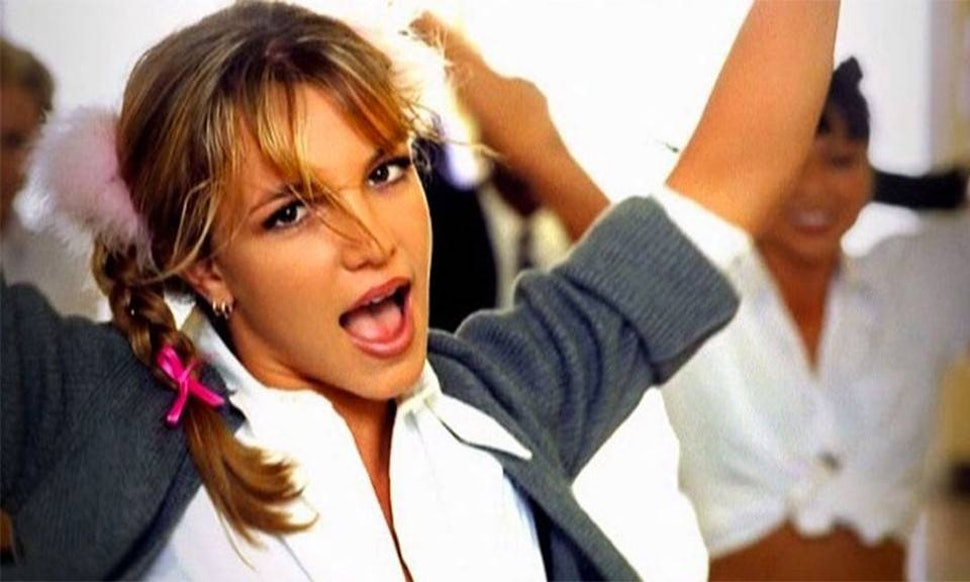 Britney Spears – Baby One More Time