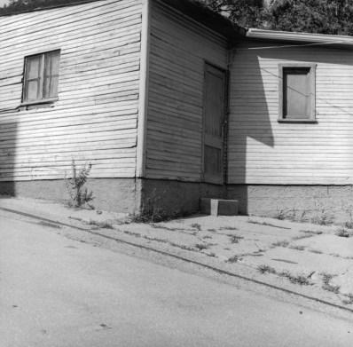 08_Clapboard_house_shadowy_door_Cincinnati_Ohio_2009