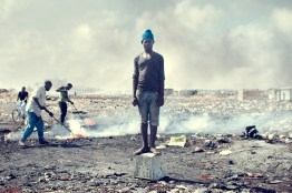 09_agbogbloshie_kevin_mcelvaney_derkevin.com_e-waste_burnmagazine