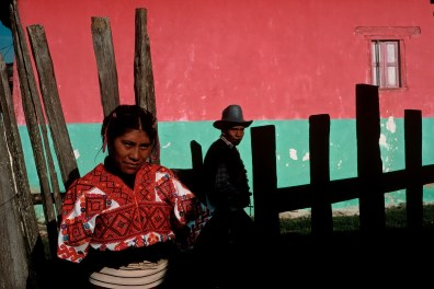 MEXICO. Chiapas. 1988. San Cristobal de las casas. Woman in the Mayan village of Tenejapa.