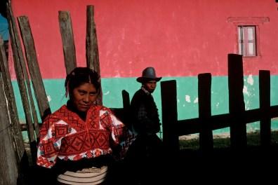 MEXICO. Chiapas. 1988. San Cristobal de las casas. Woman in the Mayan village of Tenejapa.