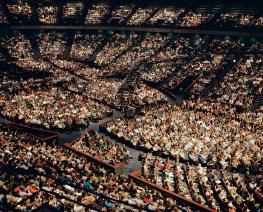 USA, Texas, Houston: Um die 40.000 Gläubige kommen jeden Sonntag in den Gottesdienst der Lakewood Church in Houston. Die Veranstaltung ähnelt dabei mehr einem Popkonzert als dem trationellen christilichen Gottesdienst. FOTO: Mario Wezel