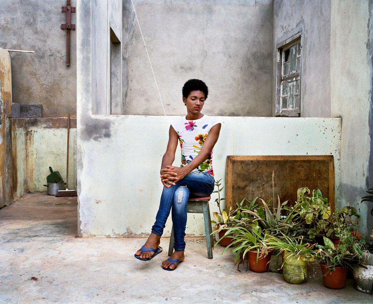 Pauliana Valente Pimentel – Quel Pedra (THAT STONE)