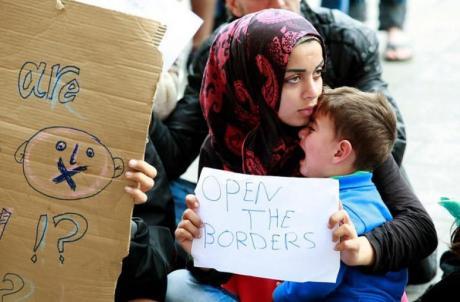 syrian_refugees._budapest_september_2015