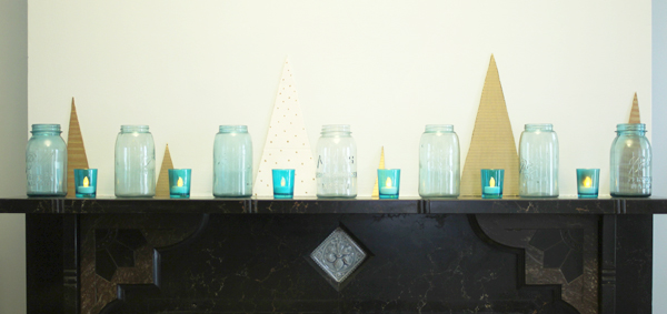 holiday mantle | Burritos & Bubbly