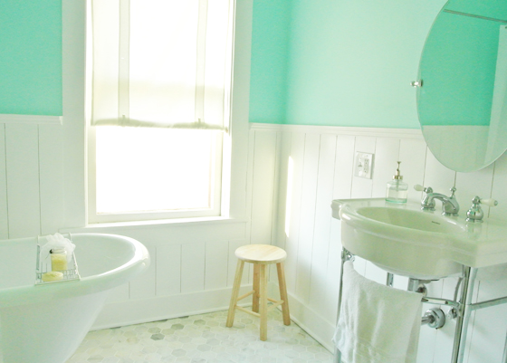 urban cottage bathroom renovation, from BurritosandBubbly.com