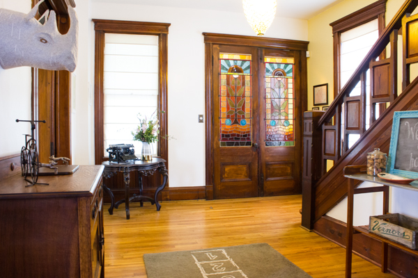 home tour: our entryway makeover   Burritos and Bubbly