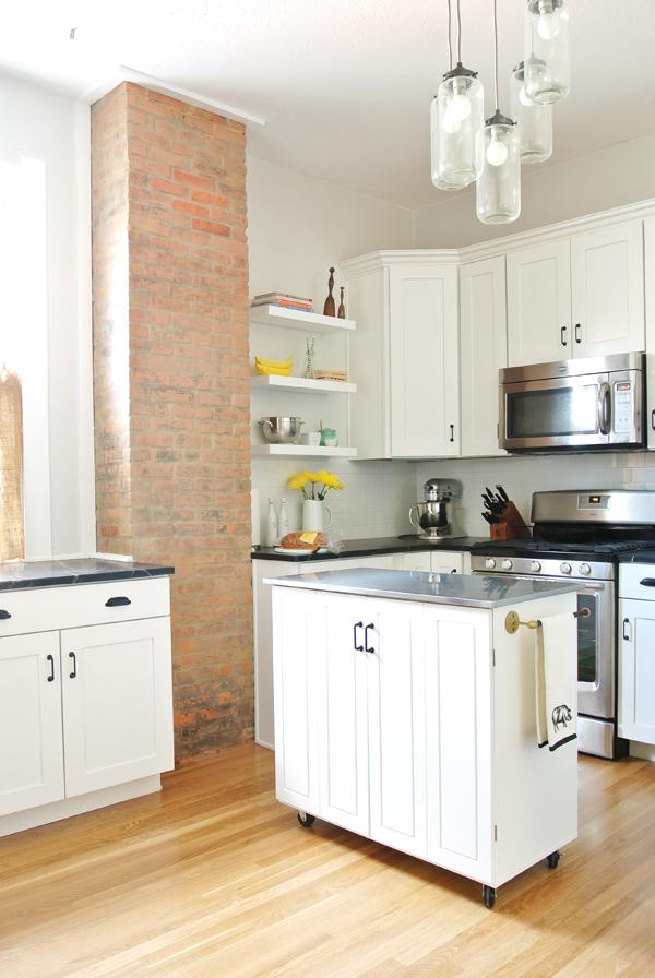 home tour: the kitchen
