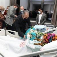 Başkan Aktaş'tan yılın son ve ilk bebeklerine ziyaret