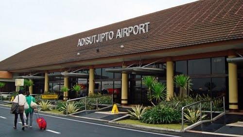 bus-damri-bandara-adisucipto-yogyakarta
