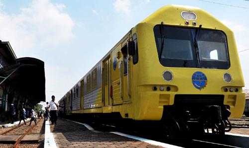 kereta-api-prameks-bandara-adisucipto-yogyakarta