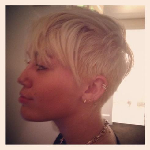 Miley_Cyrus_hair_cut-490x490