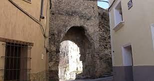 Muralla del pueblo de Cañete