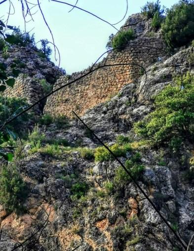 Ruinas en nuestra ruta de Garaballa