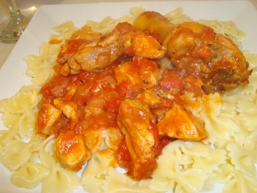 Salsa de pollo plato terminado