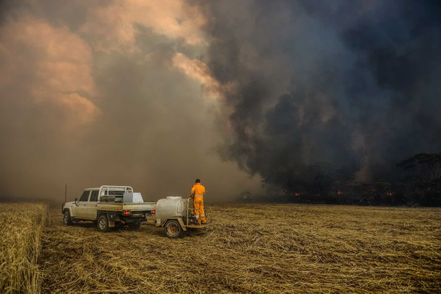 Four people died in bushfires near Esperance in November, 2015.(Supplied: Department Of Fire And Emergency Services)