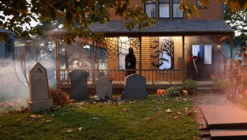 Backyard Cemetery - Halloween Decoration Ideas