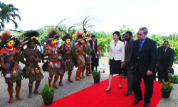 Thailand's Prime Minister Yingluck Shinawatra visits Papua New Guinea. Credit: Shinawatra's Facebook page