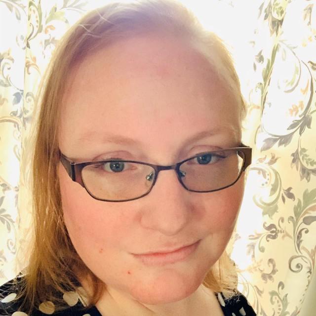 Sarah Chorn Headshot