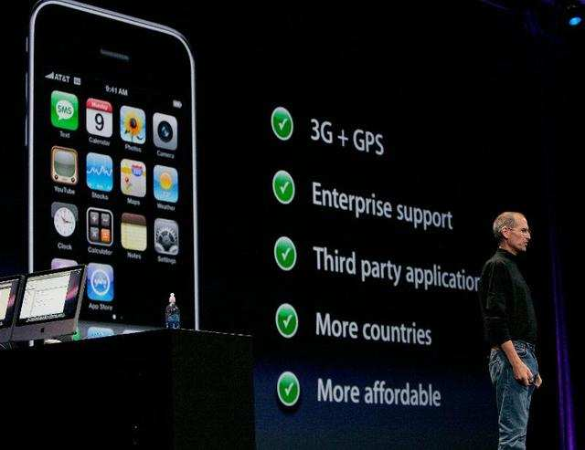 In 2008, Apple released the first big iPhone update: the iPhone 3GS. It had faster network speeds, sure, but the biggest change was that it came with this thing called an App Store to let you install software from non-Apple developers. At launch, the App Store had 500 applications.