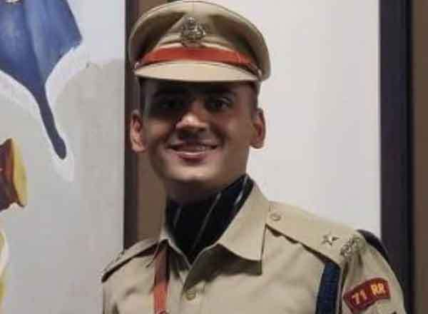 Success Story Of IPS Topper Akshat Kaushal