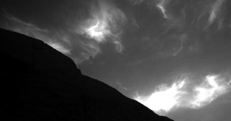 Amazing photos sent by NASA's Curiosity Rover, Earth-like clouds seen on Mars