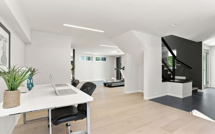Office and gym