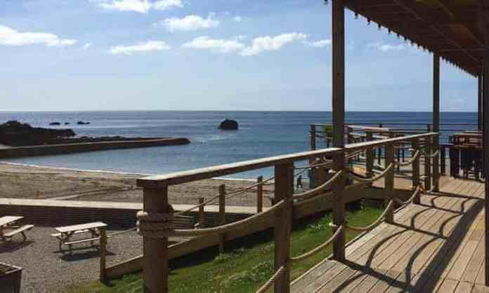 millendreath beach bar with beach and sea