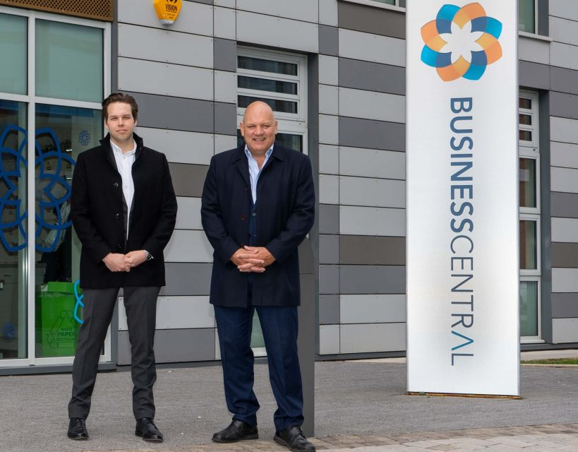 Global commercial consultant launches start-up in his home town