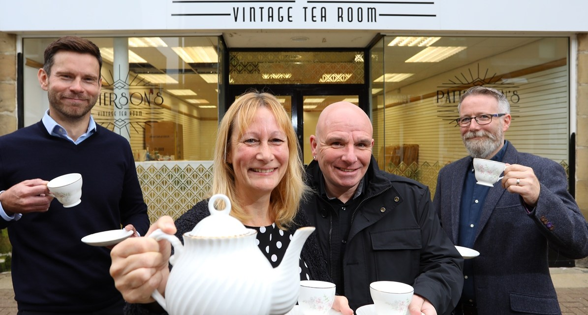 Tea time in Consett as couple bring Gatsby glamour to vintage venue