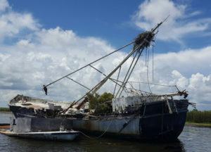 abandoned-boats