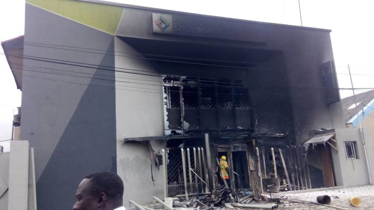 Banks set ablaze after Policeman Allegedly killed 3 Trailer Drivers in Apapa