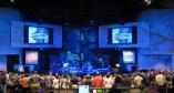 Igreja para 1.300 pessoas, em Long Island (EUA): projetores de 7.000 lumens e tela gigante inflável. Veja mais