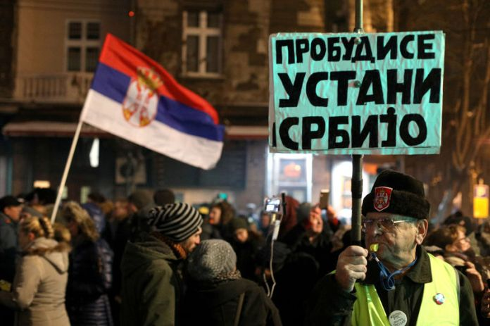 © Reuters. Protest against Serbian President Vucic in Belgrade