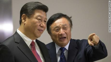 Chinese President Xi Jinping visiting Huawei's offices in London with the company's founder, Ren Zhengfei, in 2015.