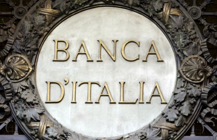 © Reuters. File picture shows the Banca D'Italia logo at the headquarters in Milan, Italy