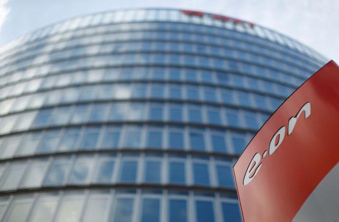 © Reuters. FILE PHOTO: E.ON headquarters in Essen