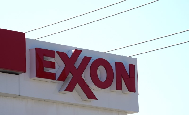 © Reuters. FILE PHOTO: The Exxon Mobil gas station in Denver