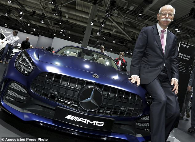Car Manufacturers Kensington Mail: Daimler CEO Zetsche Hands Over To Successor Amid Tech