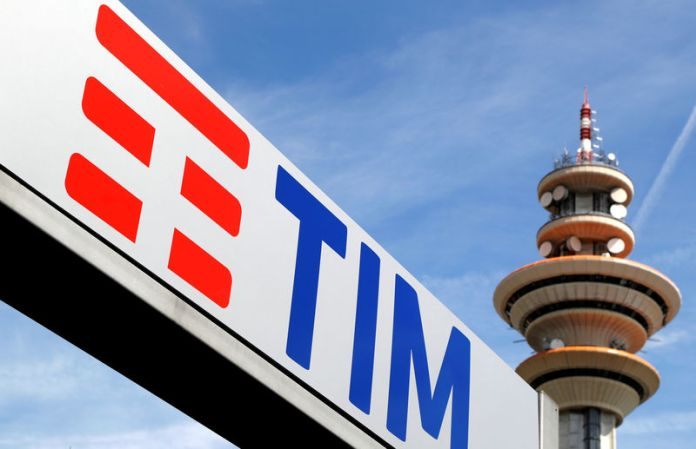 © Reuters. FILE PHOTO: Telecom Italia new logo is seen at the headquarter in Rozzano neighbourhood of Milan