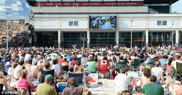 Fans in Bristol get to enjoy the summer sunshine while watching the Wimbledon games