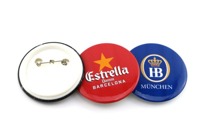Mark in Advertising by Using Quality Custom Badges