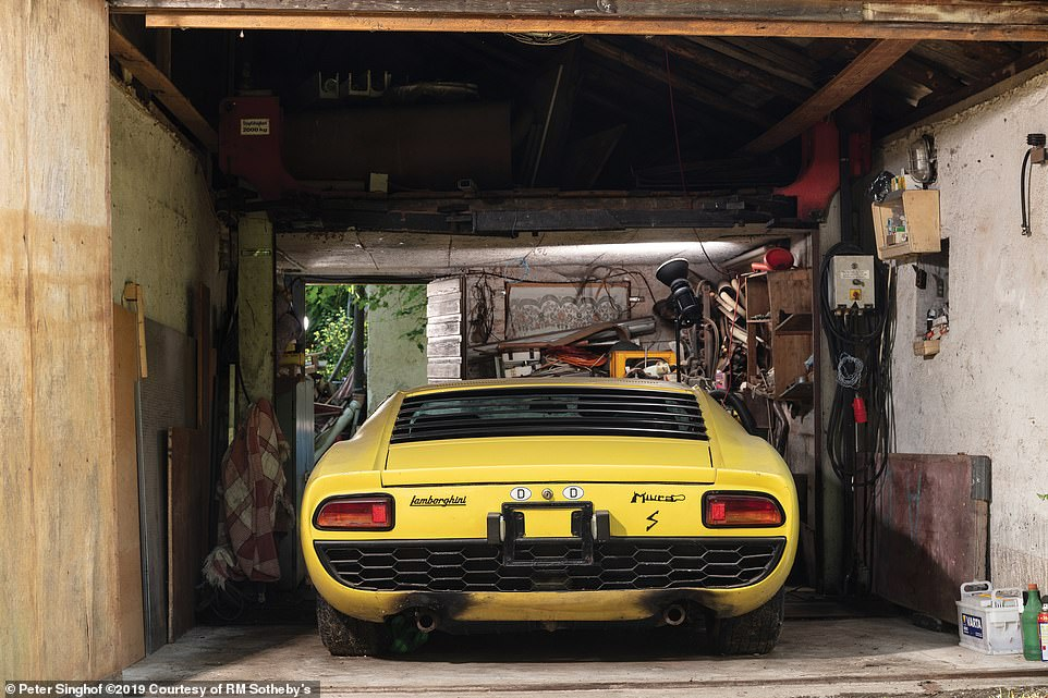 Collectible car enthusiasts battled it out for the Lamborghini on Thursday night as a bidding war for the bright yellow machine took place