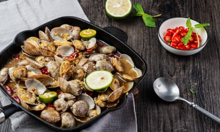 Clam glam ... with a touch of chilli and lime.