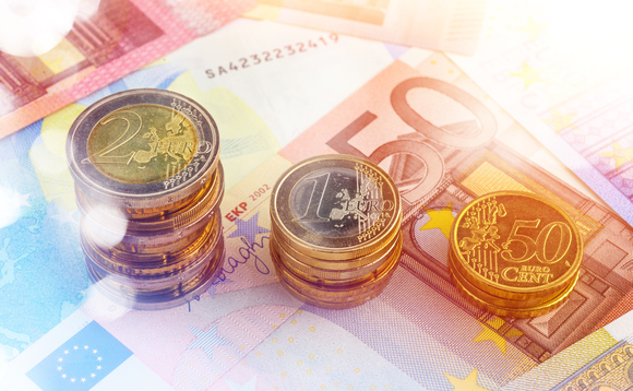 The new ETF nvests in Euro-denominated securities issued by eurzone governments