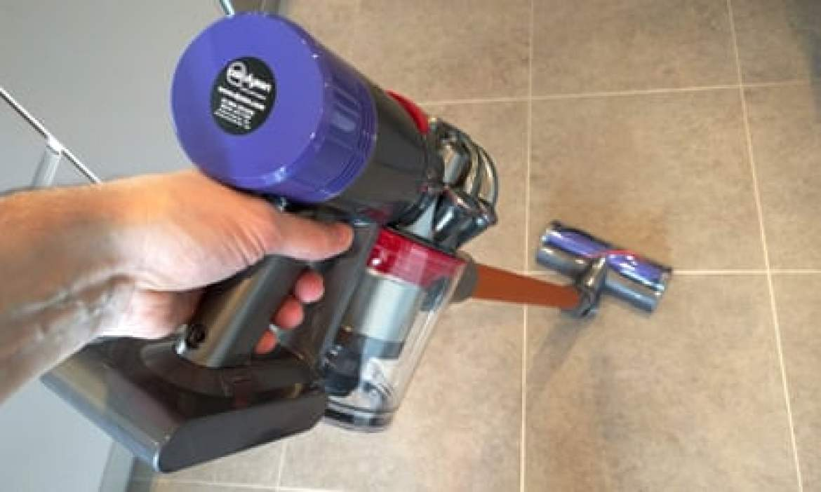 Dyson V8 Absolute review - wand attached